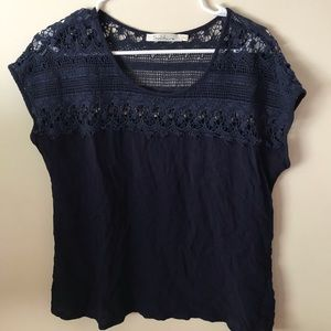 navy blue lacy tshirt